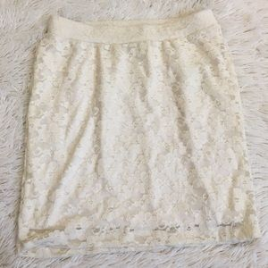 Forever 21 off white Lace mini skirt Women's small